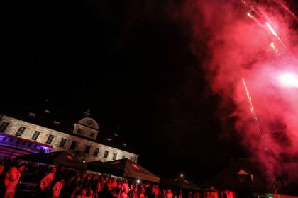 Das Feuerwerk war Abschluss des 300 Jahre Schloss Hemhofen Festes (c) Michael Ammon 2015