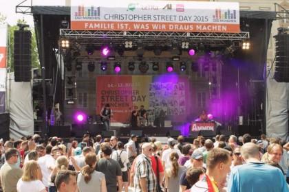 Das Publikum beim CSD München 2015 (c) Michael Ammon 2015